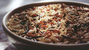 Le riz noir et rouge sont meilleurs que le brun, qui est plus sain que le blanc