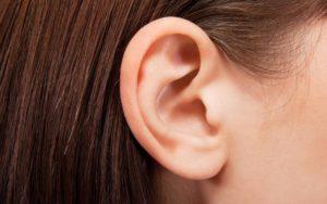 9 Soulagement naturel pour les maux d'oreille et les infections de l'oreille