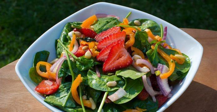 Recette de salade d'épinards aux fraises sensationnelle