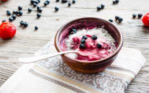 Crème végétalienne sans produits laitiers et belle baie