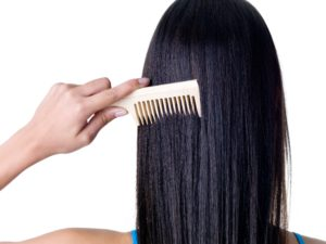 7 Ways to Thicken Your Hair Naturally