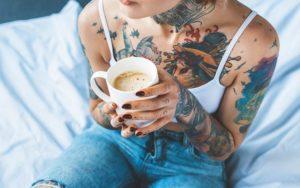 Les tatouages sont-ils sécuritaires? La vérité sur les ingrédients d'encre de tatouage